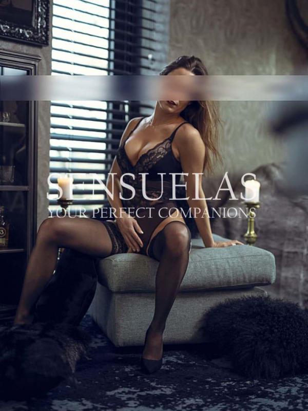 SOPHIA, SEXY & CHAUD!<